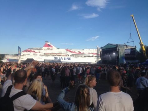 Ruisrock festival, watching the ships pass by the main stage.