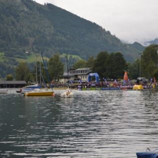 The start of the Iron Man 70.3, a 1900m swim in the lake.