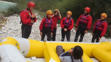 Craig losing interest in the rafting briefing